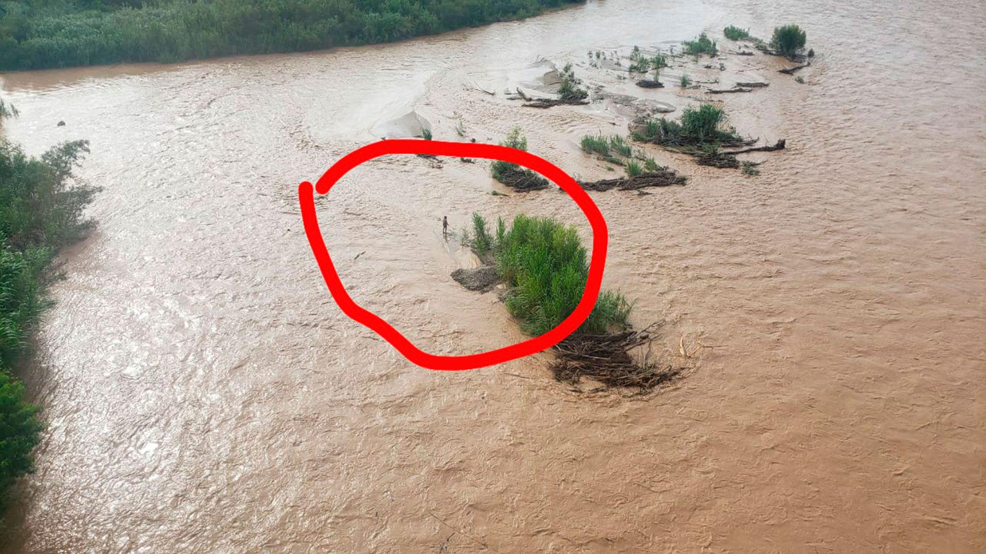 río Bermejo: se pinchó un gomón con unas 20 personas a bordo