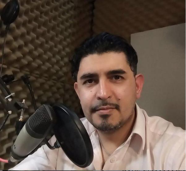 El camaleón de las voces, Gustavo Barrientos