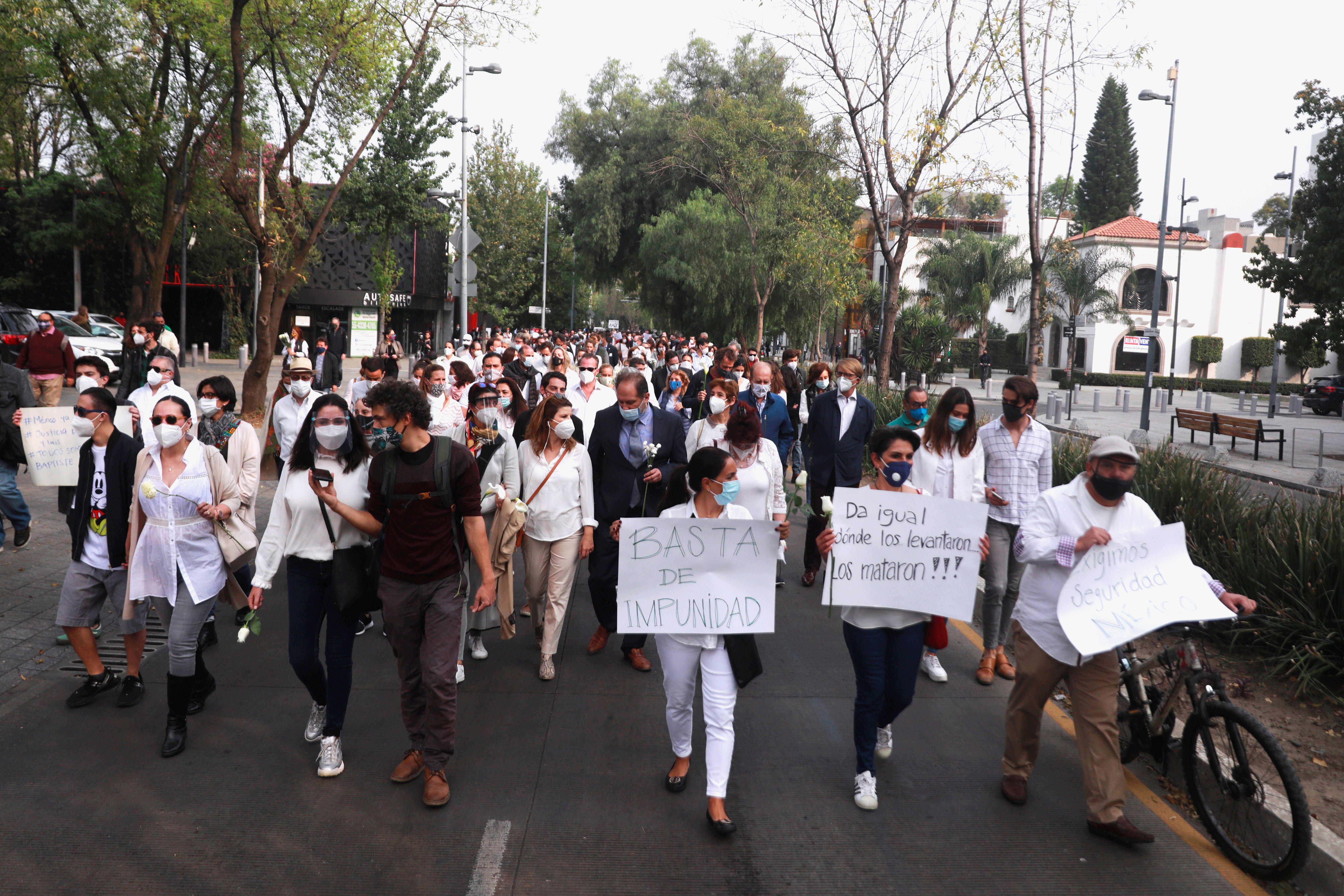 La comunidad francesa se movilizó en la capital para exigir justicia (Foto: REUTERS/Henry Romero)
