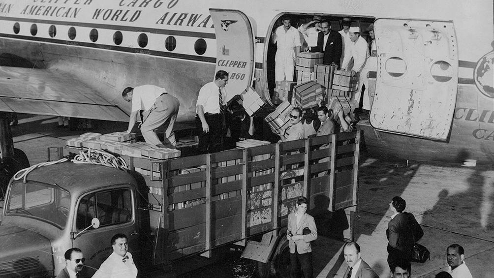 Ayer, como hoy, las vacunas llegaron al país en vuelos de Aerolíneas Argentinas. (AGN)