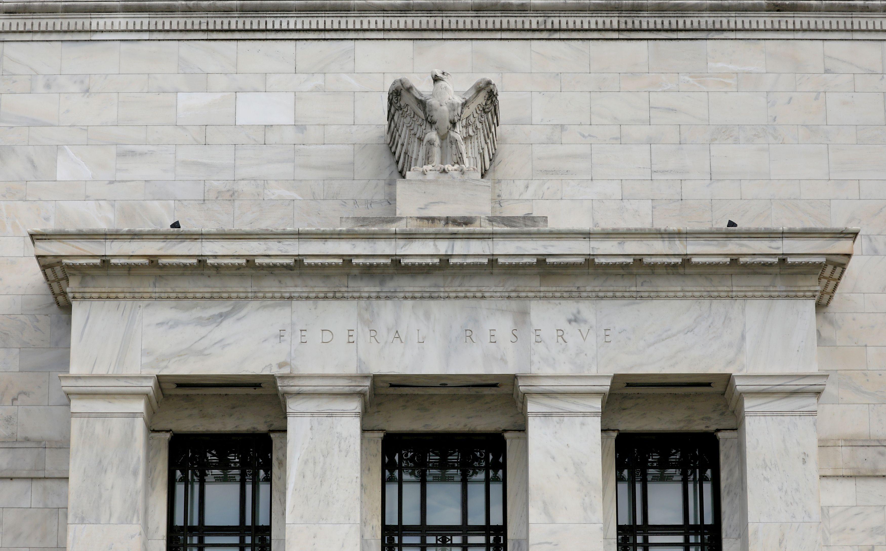 Tasas de interés artificialmente bajas (por debajo de la tasa de preferencia temporal de la sociedad) es el recurso preferido de la FED y de la mayoría de los Bancos Centrales del mundo (Reuters)