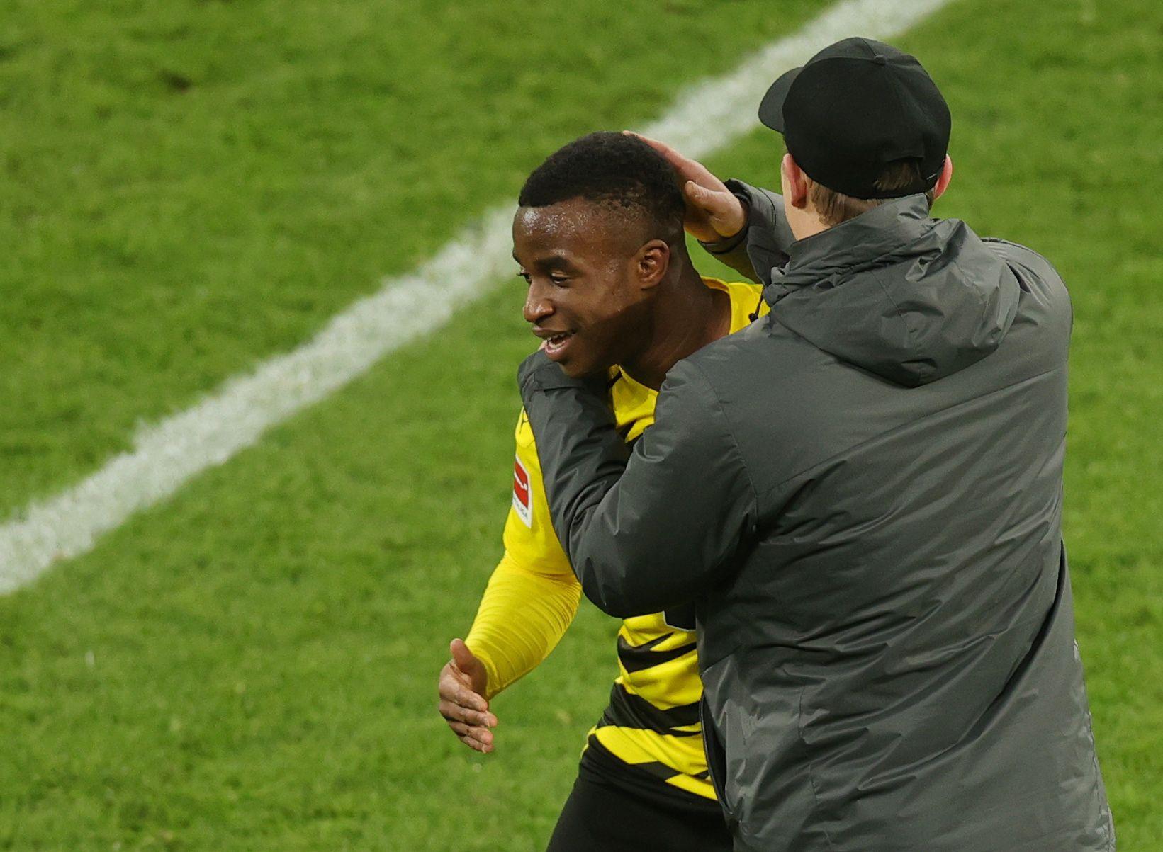 El delantero camerunés es el goleador más joven de la historia de la Bundesliga (Reuters)