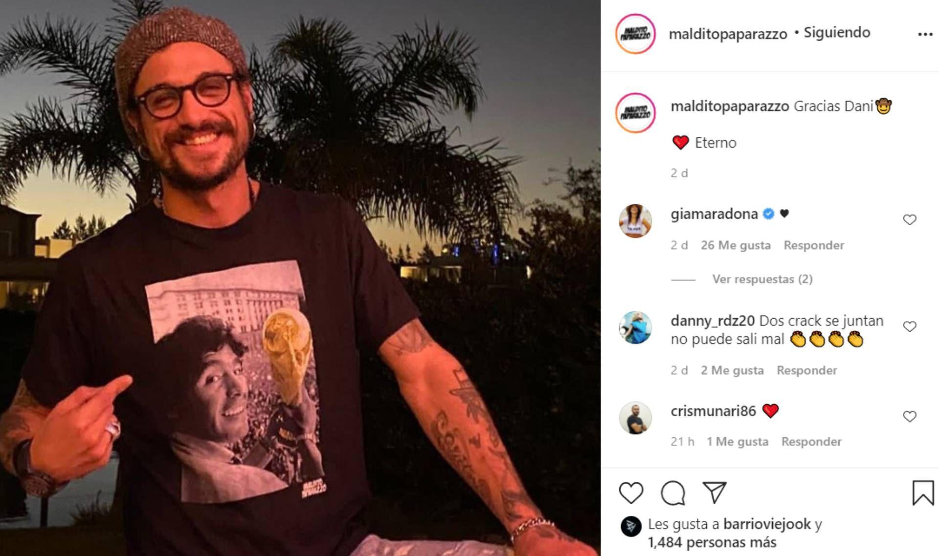 Daniel Osvaldo con una remera de Maradona