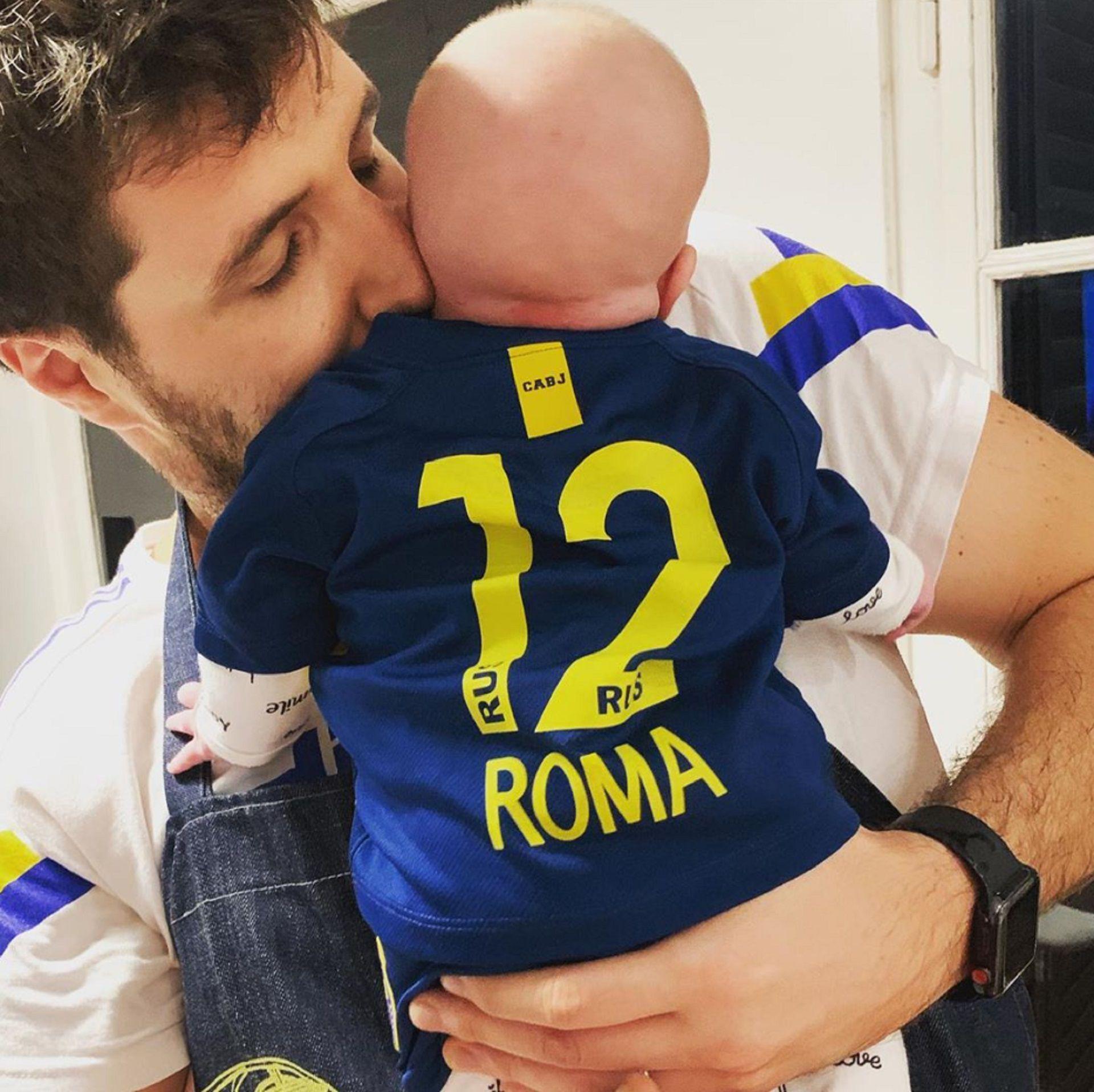 Andrés Caldarelli, marido de Dalma Maradona, junto a su hija Roma Caldarelli Maradona