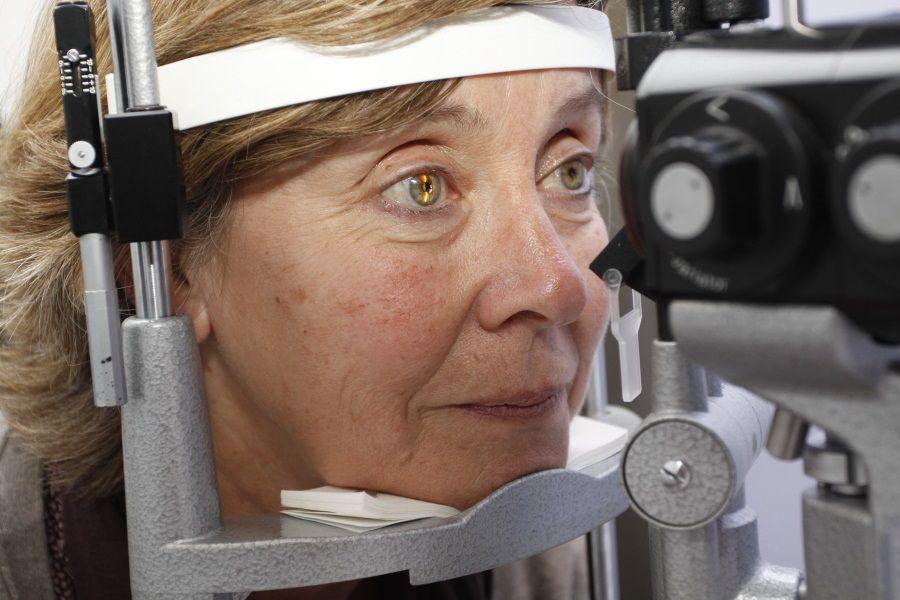 25/03/2011 Revisión de degeneración macular asociada a la edad (DMAE) ESPAÑA EUROPA MADRID SALUD ANGEL CARBONELL/IMO