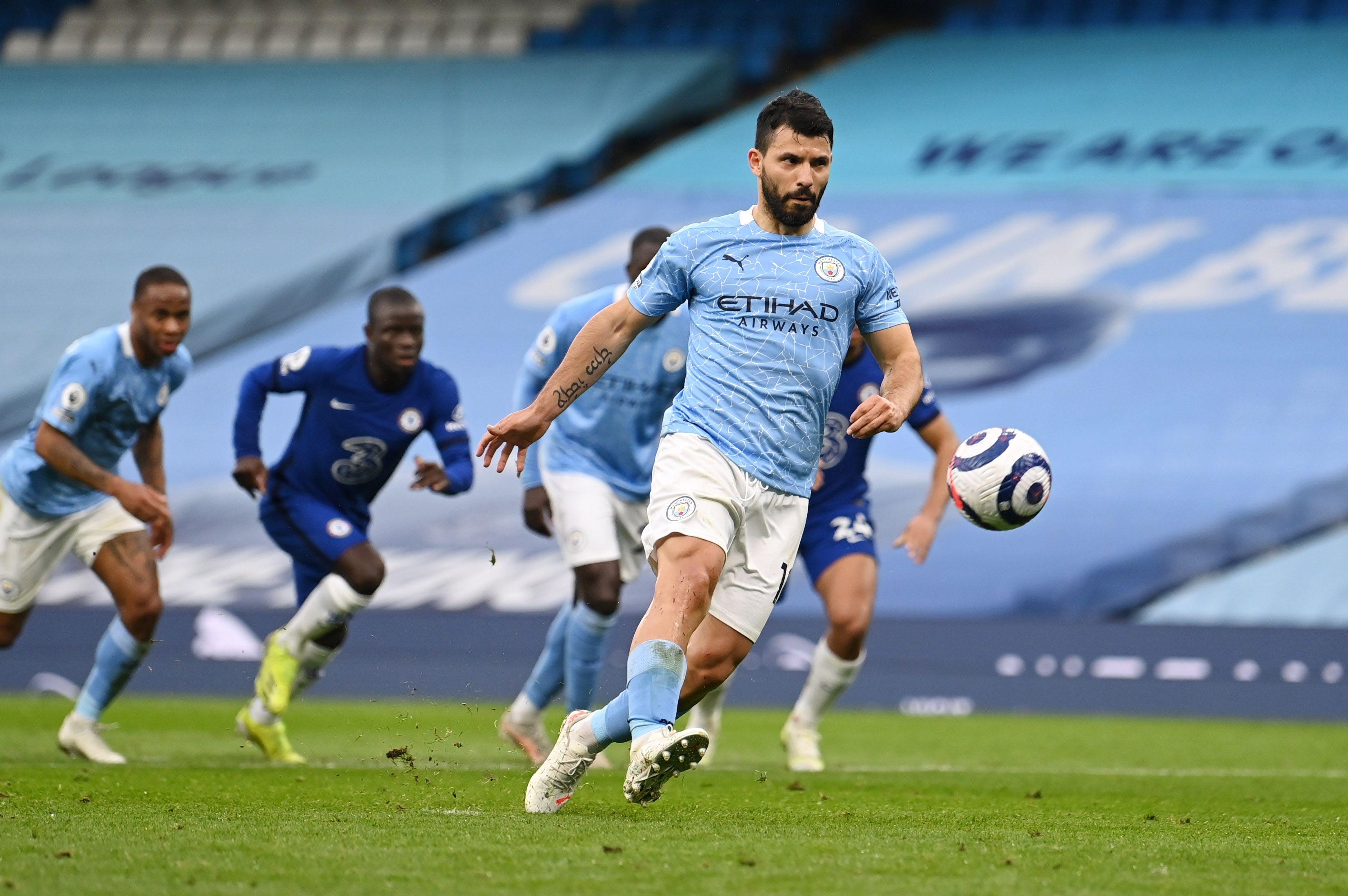 El City tuvo la chance de gritar campeón ante Chelsea el último sábado, pero perdió: festejó tras el duelo del United ante Leicester (Foto: Reuters)