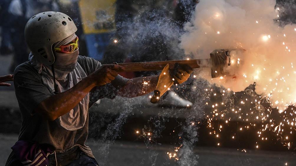 """""""La represión de la Policía y la Esmad ya es una cosa desmedida"""", cuenta uno de los manifestantes."""