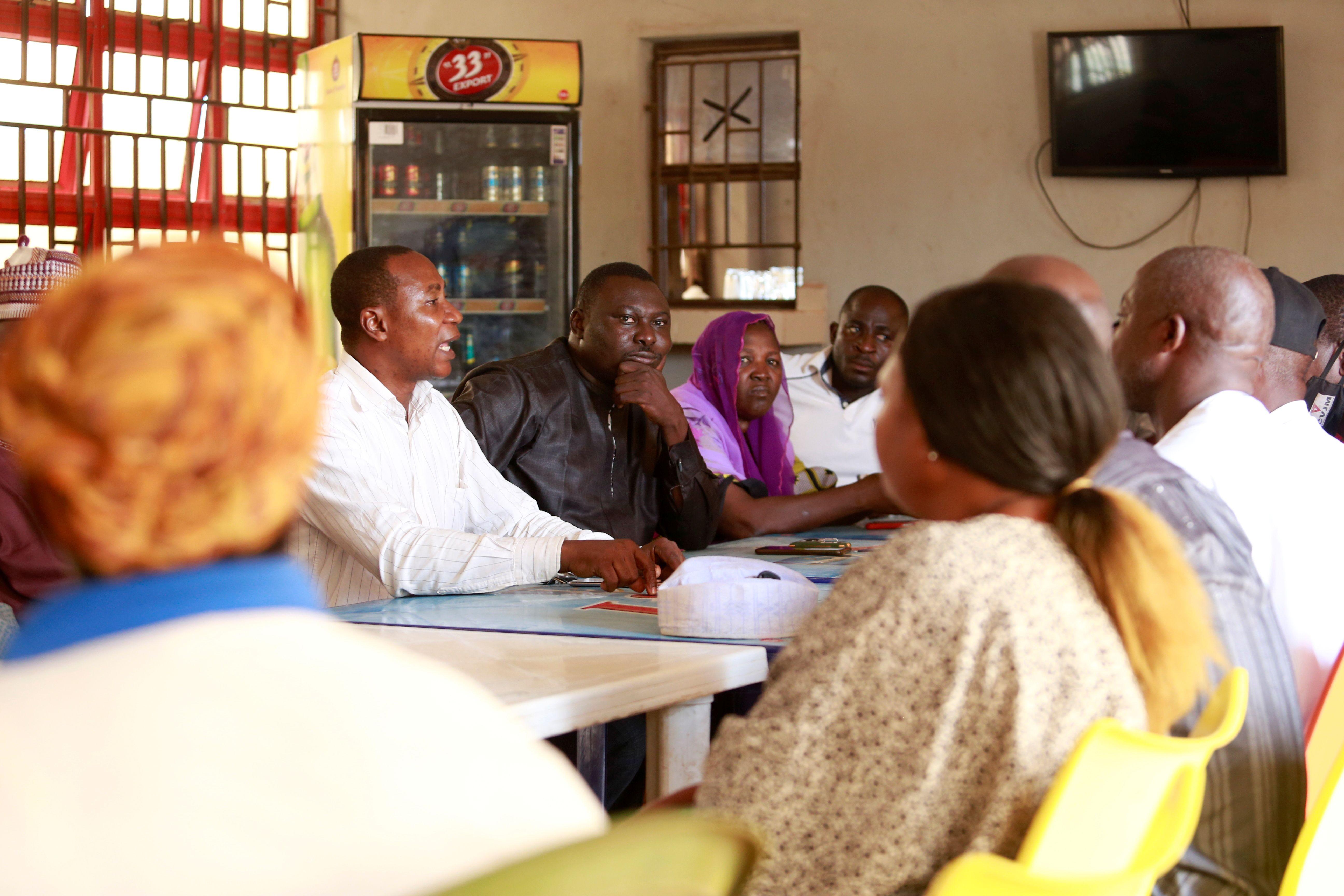 Los padres de los estudiantes secuestrados en marzo, en una reunión. REUTERS/Afolabi Sotunde