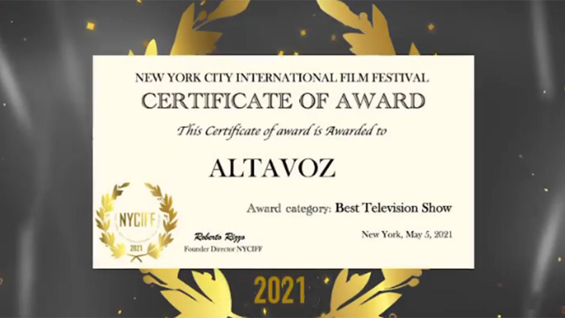 Cata De Elía por premio Altavoz