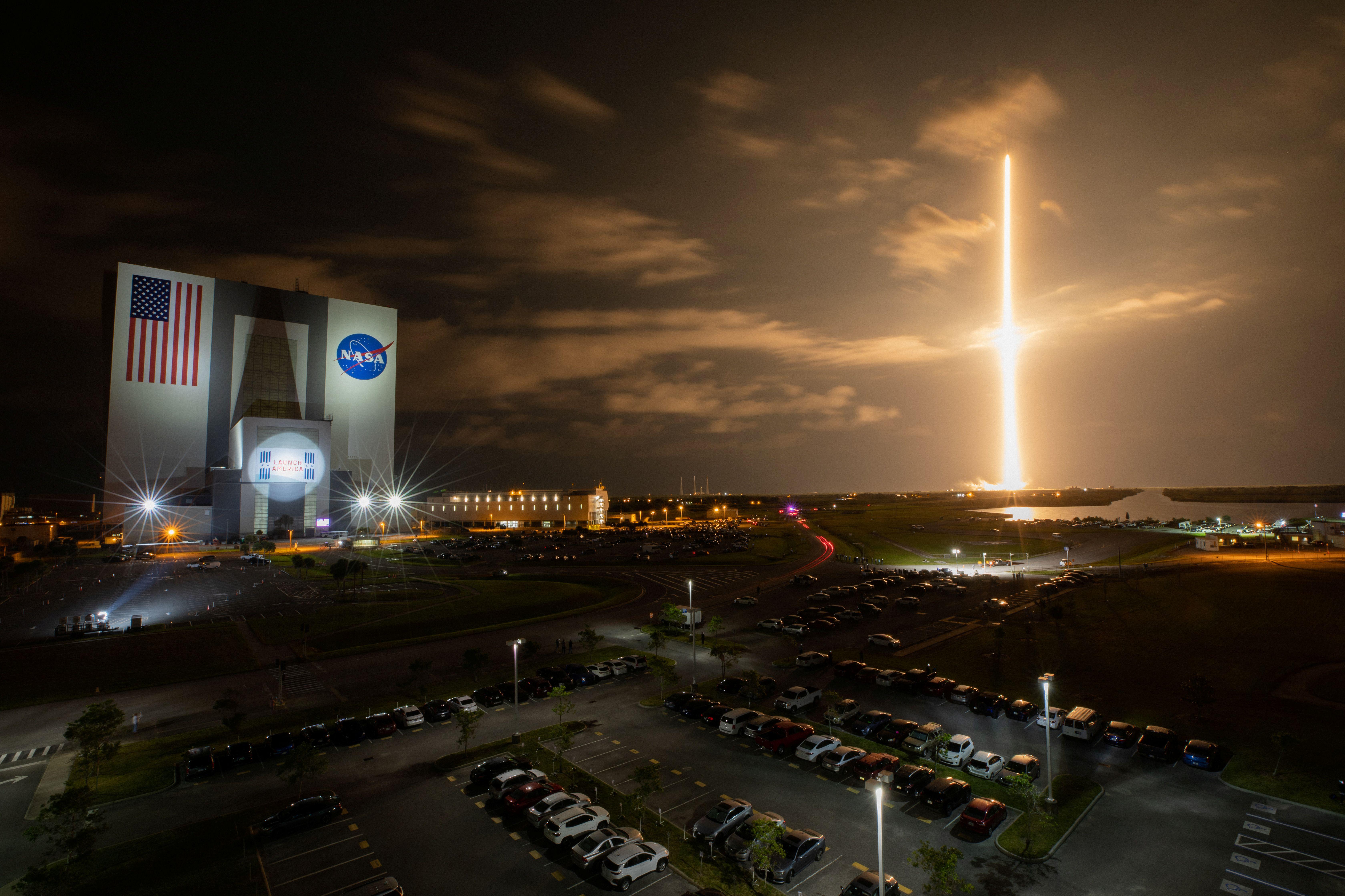 Lanzamiento de SpaceX a la Estación Espacial Internacional en el Centro Espacial Kennedy de la NASA