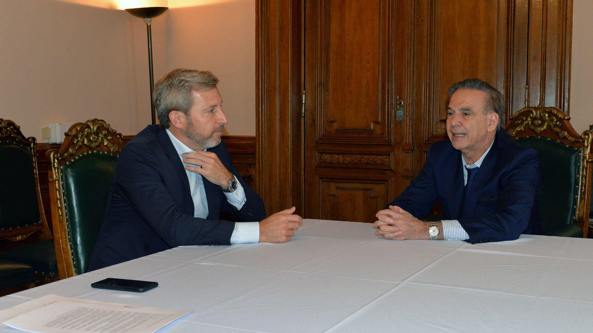 Rogelio Frigerio y Miguel Ángel Pichetto son dos de los referentes políticos que firmaron el comunicado