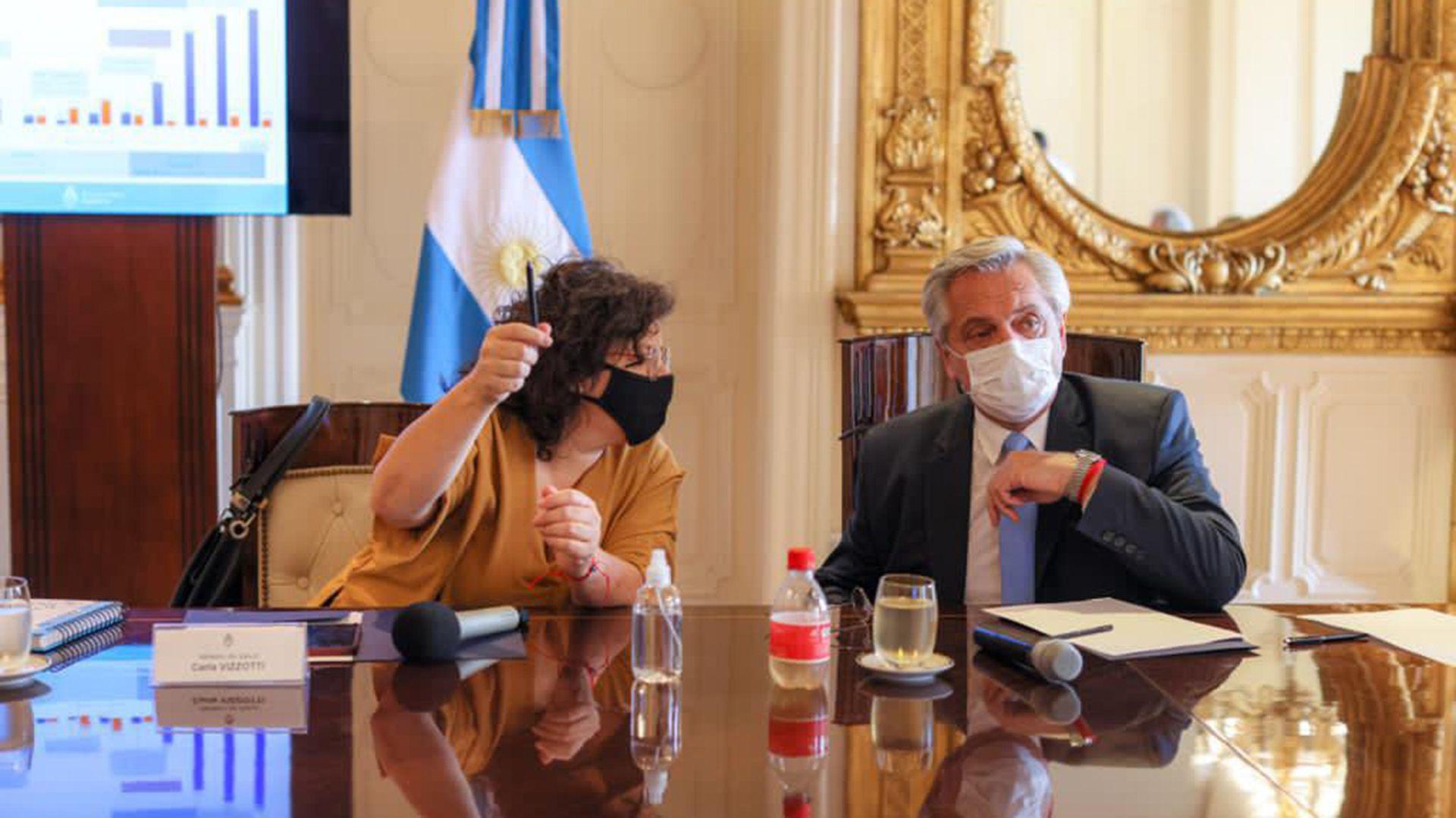 reunión del comando nacional de vacunación Alberto Fernández Carla Vizzotti