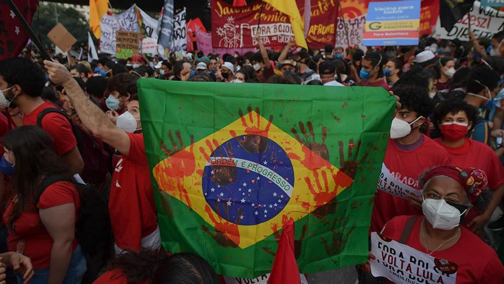 Brasil vivirá una Copa América diferente, ya que la pandemia de coronavirus golpea al país en medio de la presión para recibirle a la conmebol una sede que Colombia y Argentina iban a realizar en conjunto