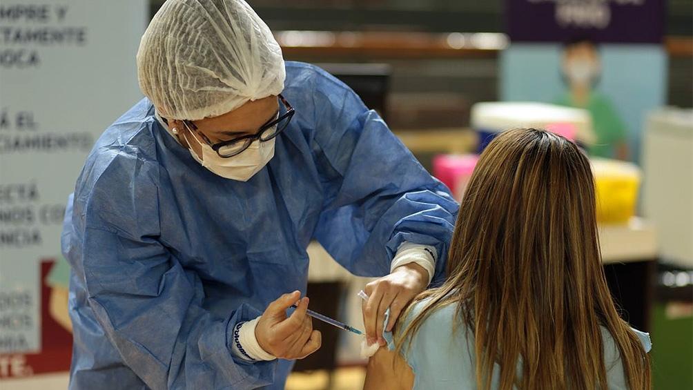 La llegada de mayor cantidad de dosis permitió llegar a aplicar 376.815 vacunas en un día.