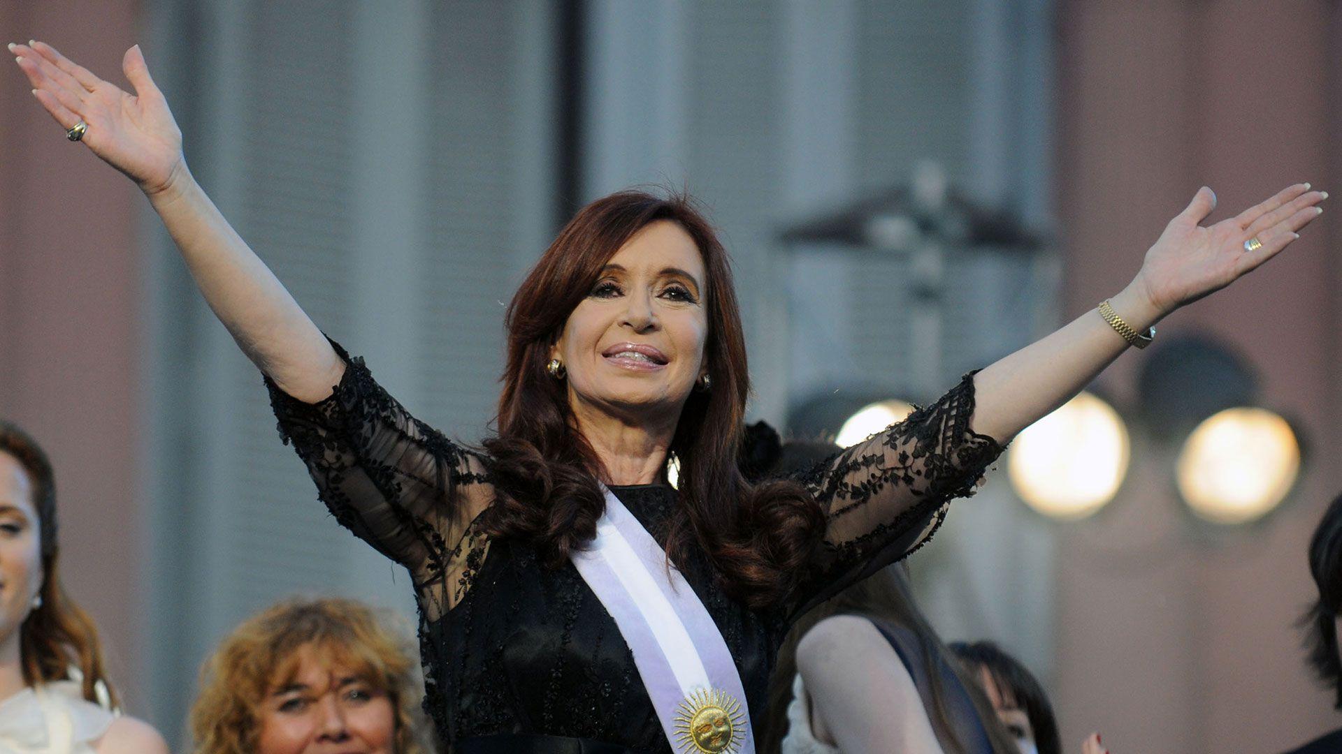 """En 2011 la actividad económica crecía un 4,9% interanual mientras que los empleos del sector privado crecían al mismo ritmo y los salarios 8,7% real. Con estas cifras Cristina Fernández de Kirchner obtuvo el """"famoso"""" 54% de los votos (NA)"""