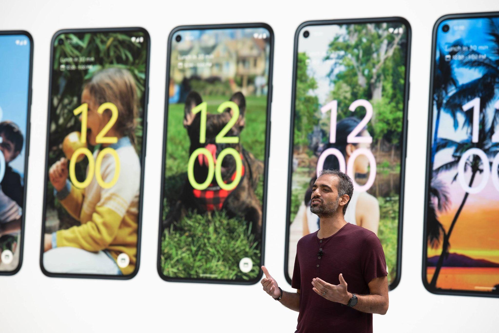 Sameer Samat, vicepresidente de gestión de productos de Google, presentó las novedades de Android 12 en la conferencia de desarrolladores de Montain View en mayo de 2021 (Google/dpa)