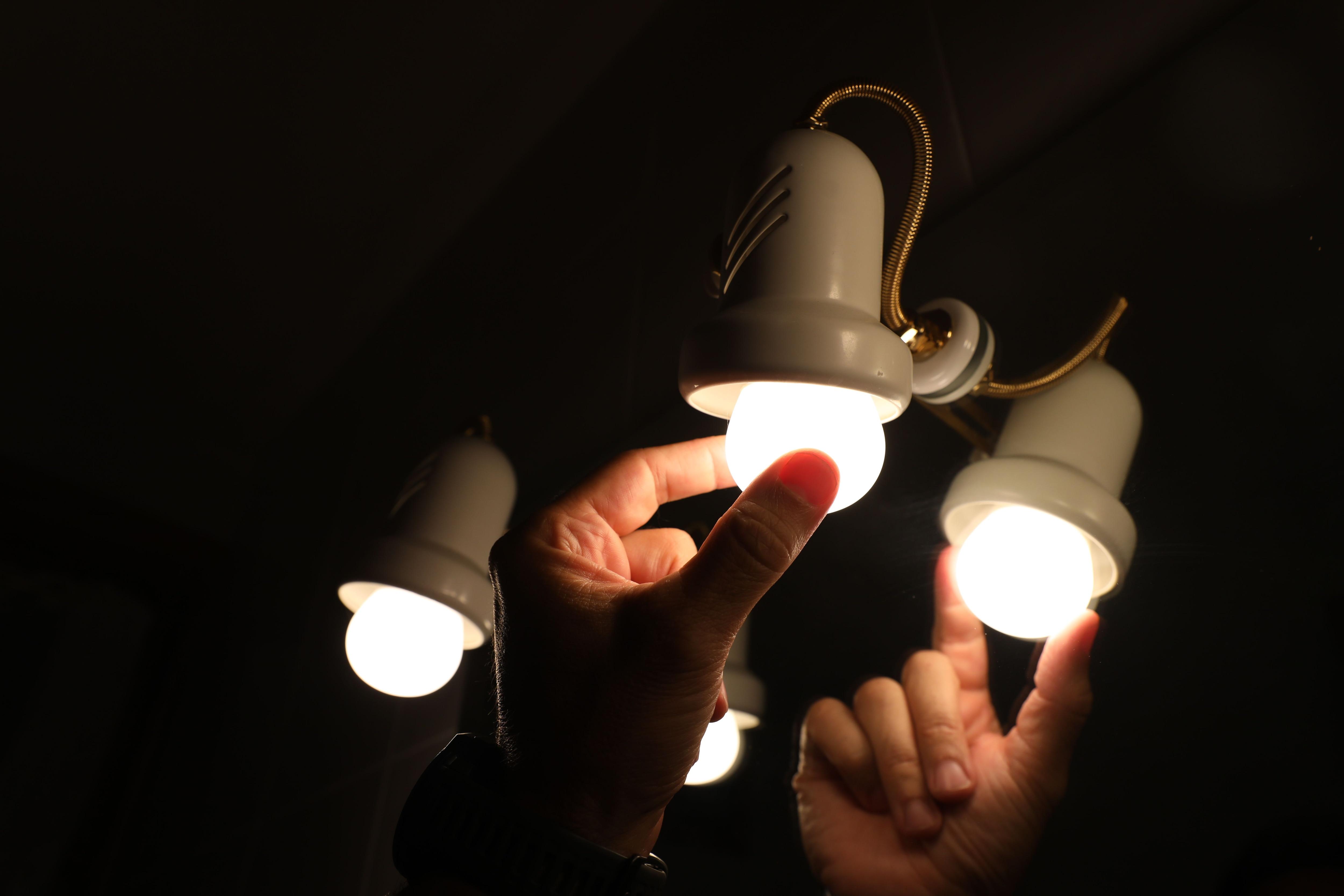 Prográmese con Infobae para saber si su barrio o localidad será afectada por cortes de luz. Foto: Marta Fernández - Europa Press