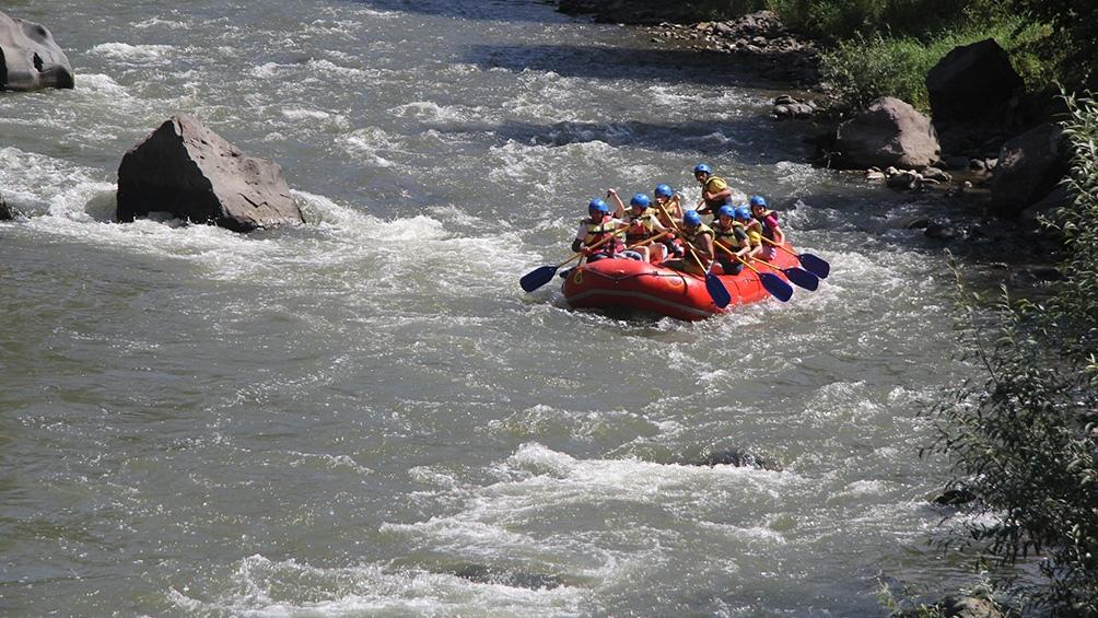 El rafting se practica en el río Debet, en la región de Lori.