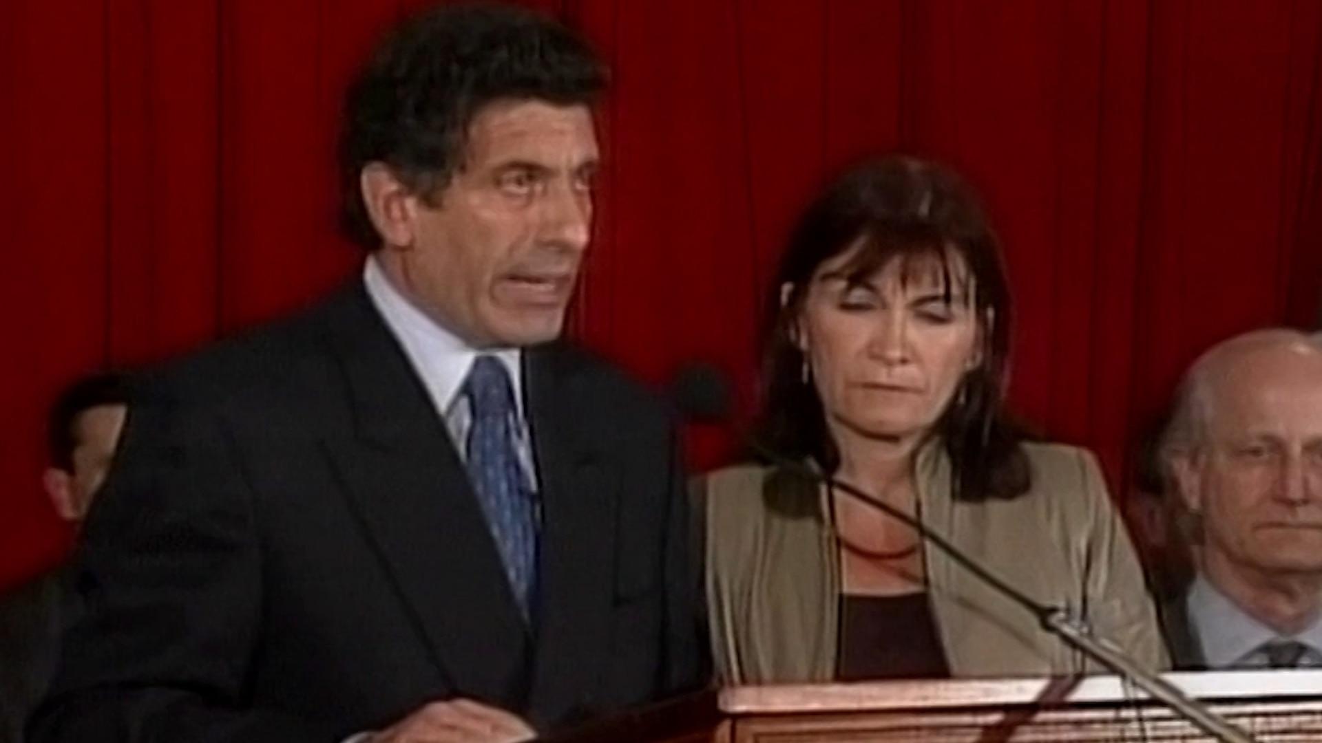 Renuncia de Carlos Chacho Álvarez a la vicepresidencia