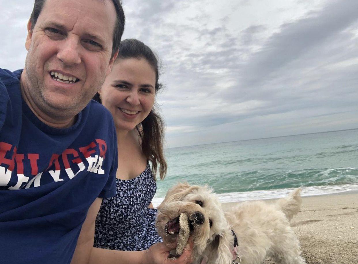 La insólita historia de Paco Villa con su hermanastra, Ethel Torres, quienes empezaron a salir tras el matrimonio de sus padres (Foto: Instagram/@paco_villa_)