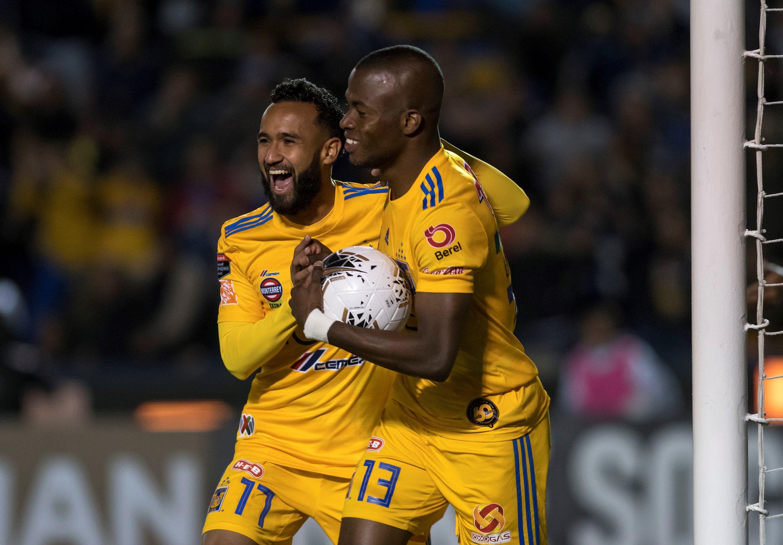 El seleccionador de México en el Mundial Brasil 2014 descartó al centrocampista Sierra antes del debut de los Tigres en el Apertura con la esperanza de dejar una de las 10 plazas de extranjeros libre para incorporar a otro futbolista. (Foto: EFE)