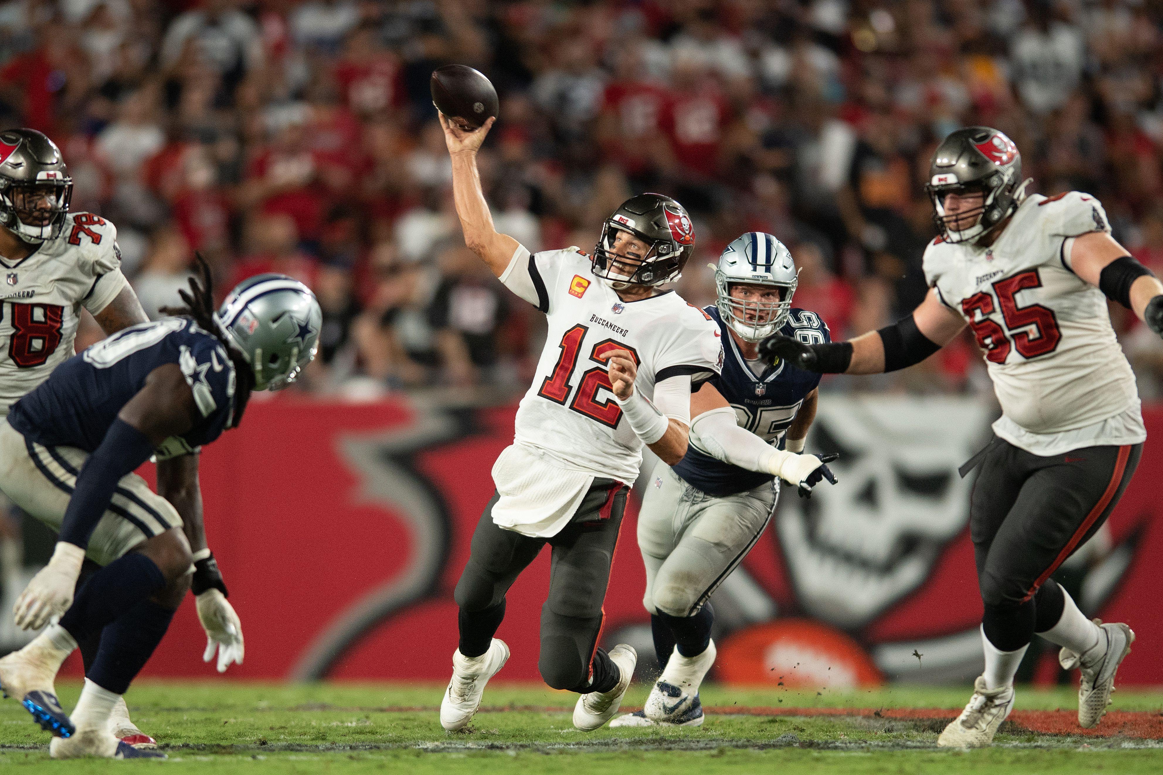 Brady consiguió debutar con victoria en contra de un equipo con el contra el cual nunca ha perdido (Foto:Jeremy Reper/Reuters)