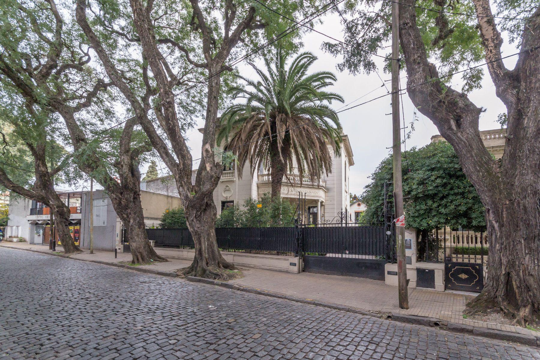 Casa Lugones