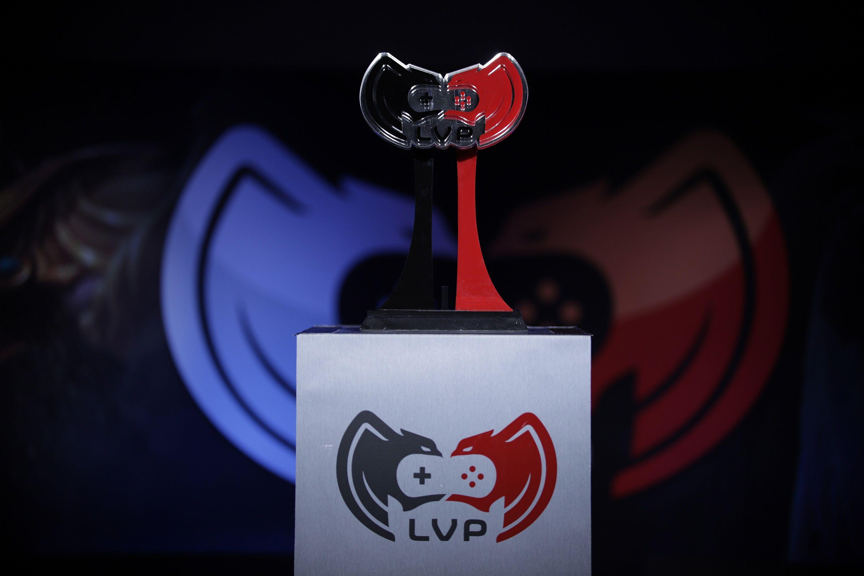 El trofeo de LVP.