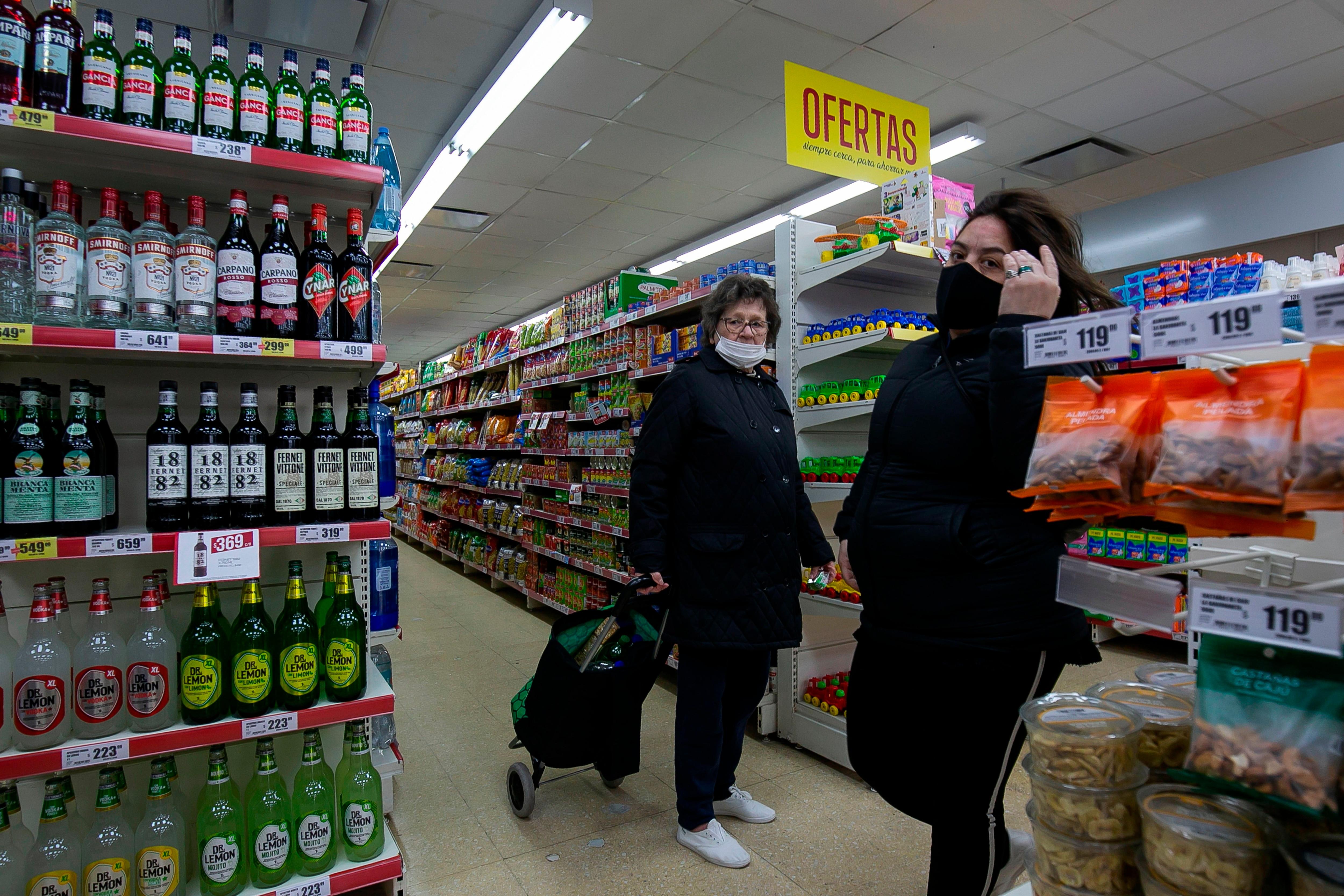 Las consultoras esperan que en septiembre la inflación siga debajo del 3% (EFE/Demian Alday Estévez)
