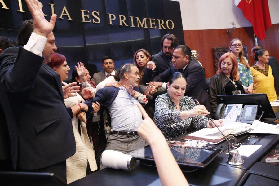 Madero Muñoz durante la toma de protesta de Rosario Piedra Ibarra como la nueva titular de la CNDH (Foto: Cuartoscuro)
