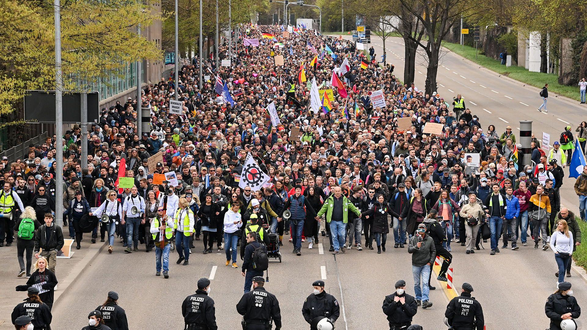 Querdenken, el movimiento anti-vacuna  de Alemania
