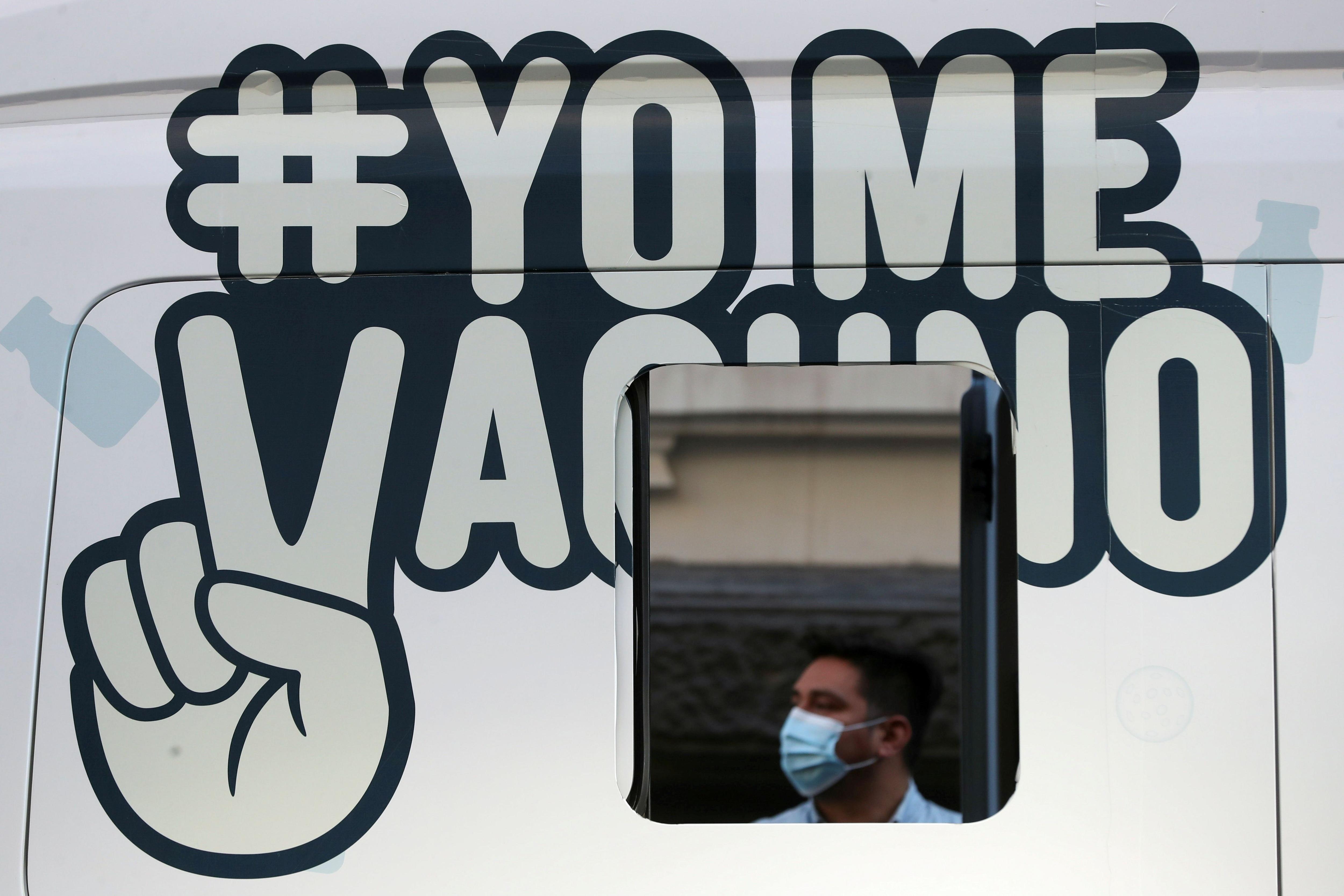 El 0,2% de la población, o una persona de cada 500, experimenta una infección progresiva una vez que está completamente vacunada (REUTERS/Ivan Alvarado/File Photo)