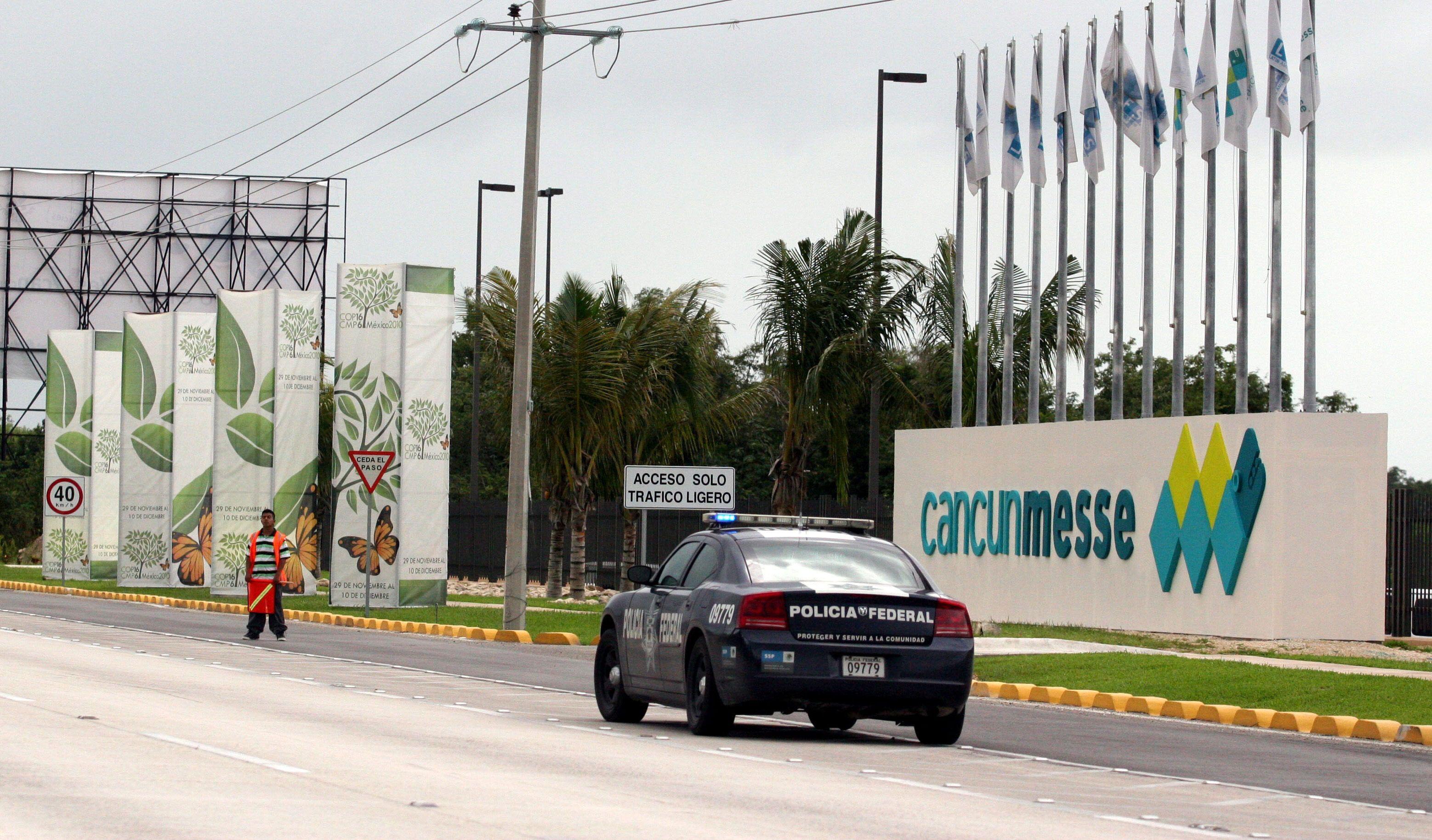 Una patrulla por la zona del centro de recreo de Cancún, Quintana Roo (Foto: EFE/Elizabeth Ruiz/Archivo)