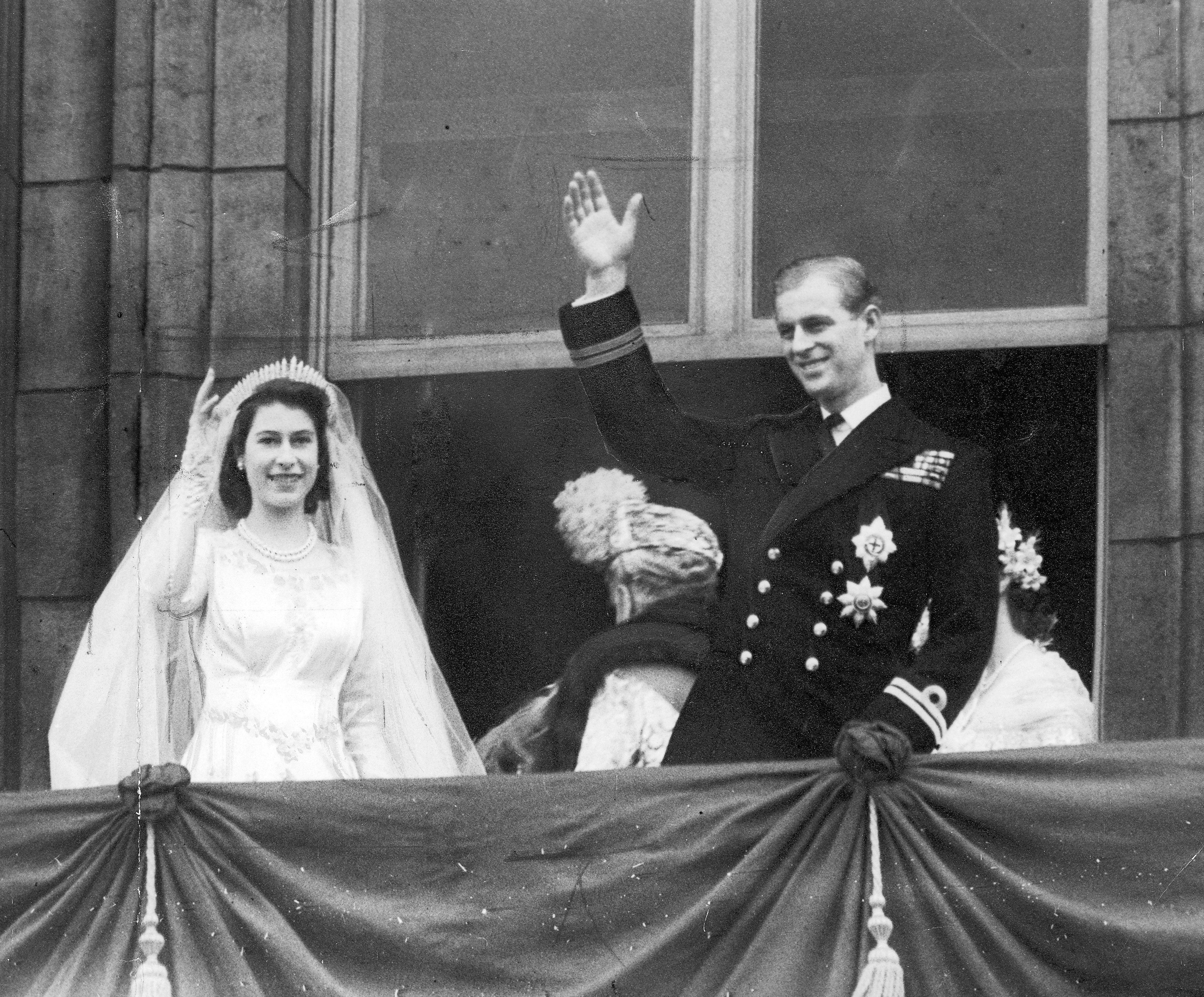 queen elizabeth joven Sf