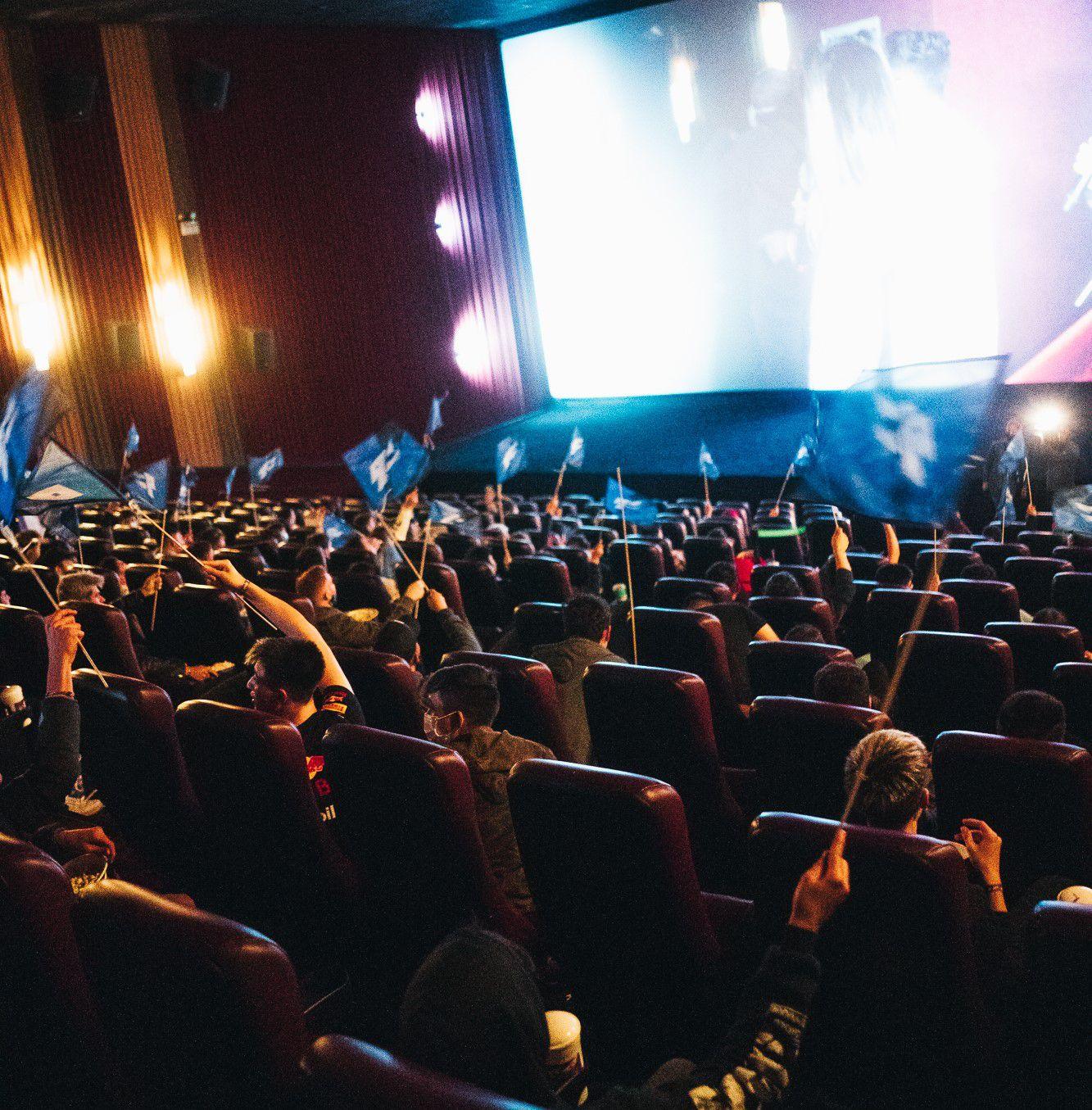 9z presentó su documental en una sala de cine del Dot Baires Shopping.